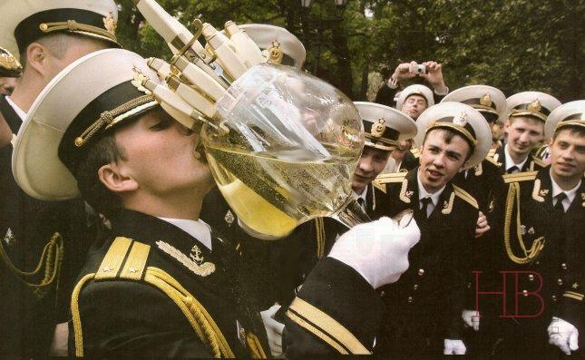Выпуск морских офицеров в Петербурге. Фото Fig-Mag, 2008