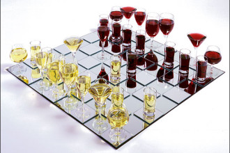 Wine-Chess-Set