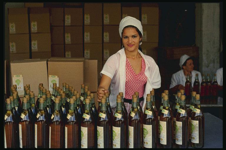 Корковые пробки применялись в СССР для лучших вин