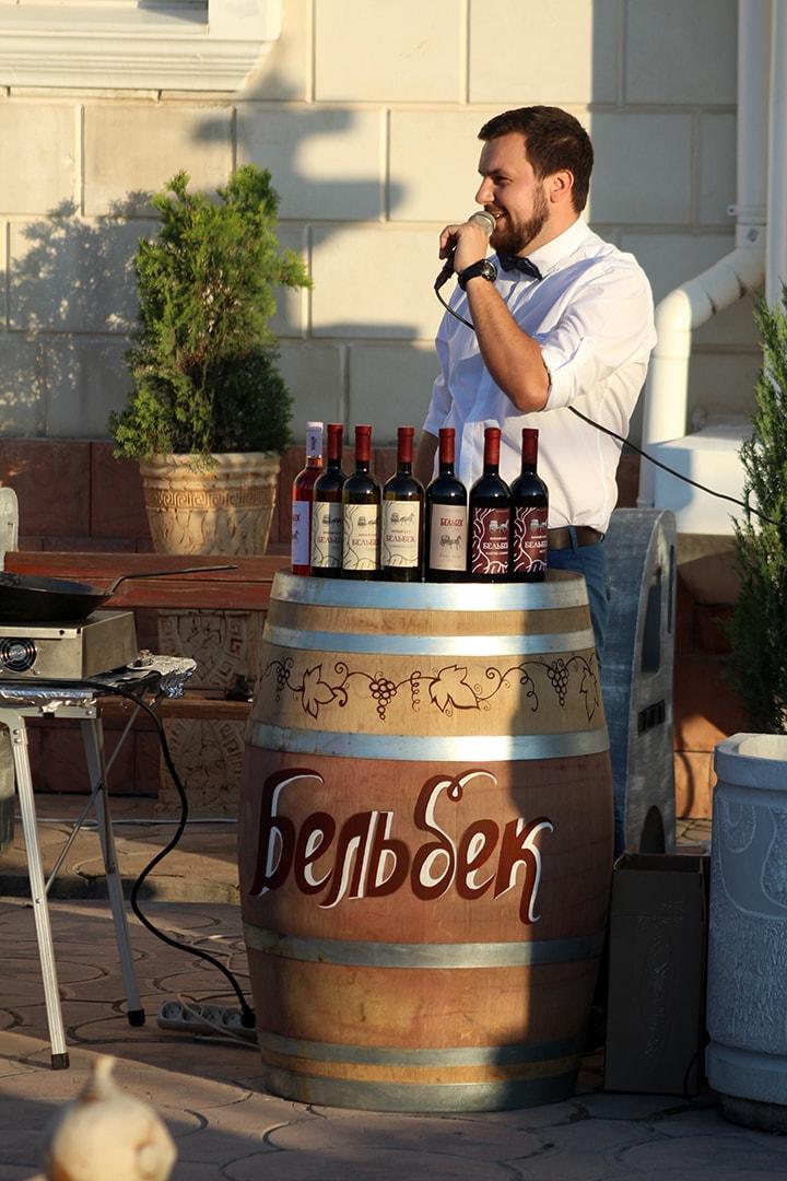 Ведущий вечера - Николай Скиба, WineLab