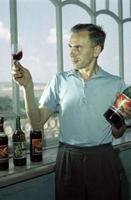 Миниатюра. Винодел-технолог И.А. Аксентюк, Молдавия, 1968